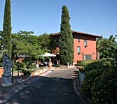 Villa in Rome in great park with vineyard and olive grove