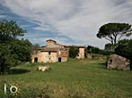Stone farmhouse with land near Rieti